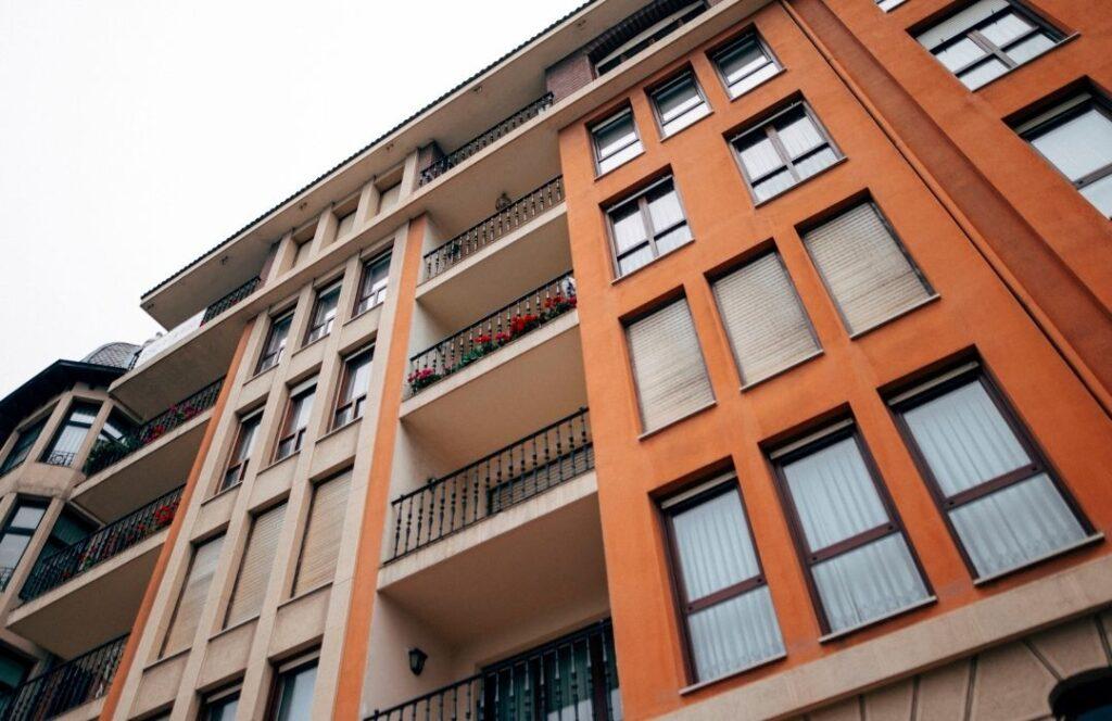 Apartment building for rent